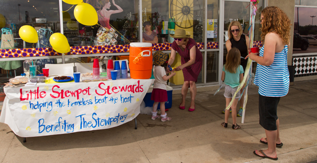 Little Stewpot Stewards Elle Madres and Alexis McNamera set up a benefit for Dallas' homeless outside T. Hee Greetings & Gifts: Photo by James Coreas