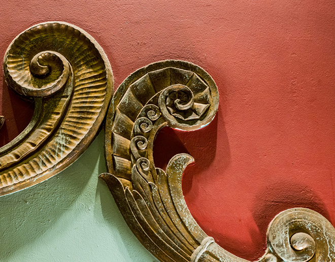 Detail of the Art Nouveau molding above the Lakewood Theater bar: Photo by Danny Fulgencio