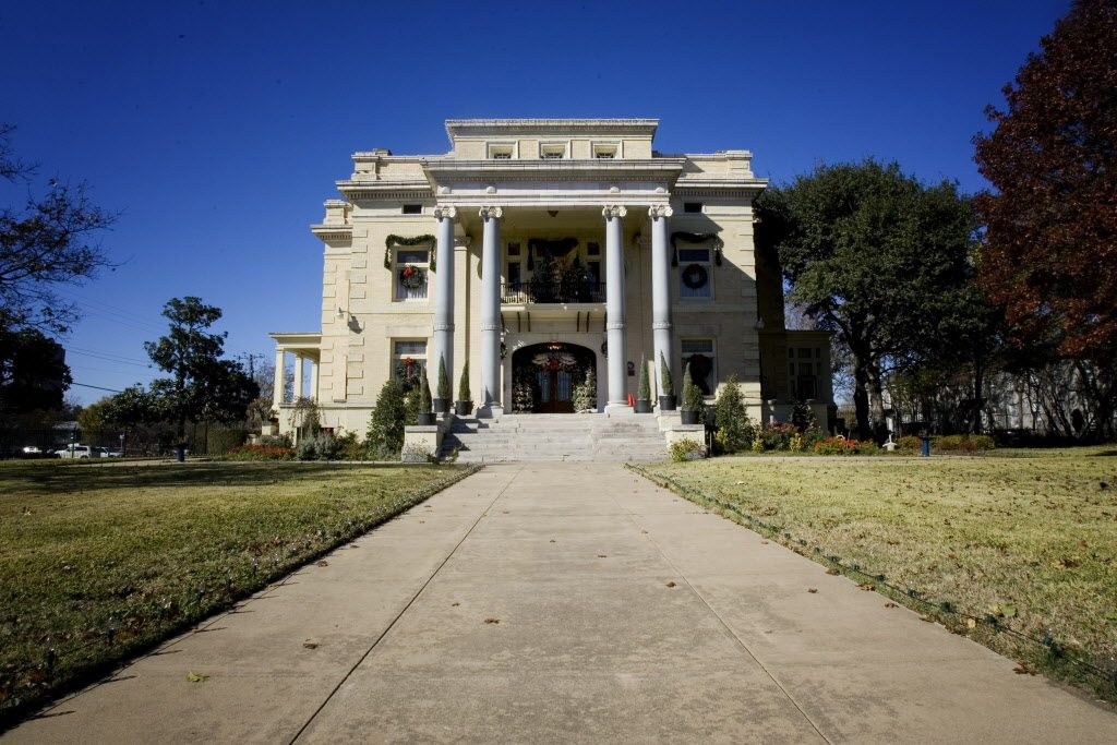 Alexander Mansion on Ross Avenue in East Dallas. (Photo from the Dallas Woman's Forum)