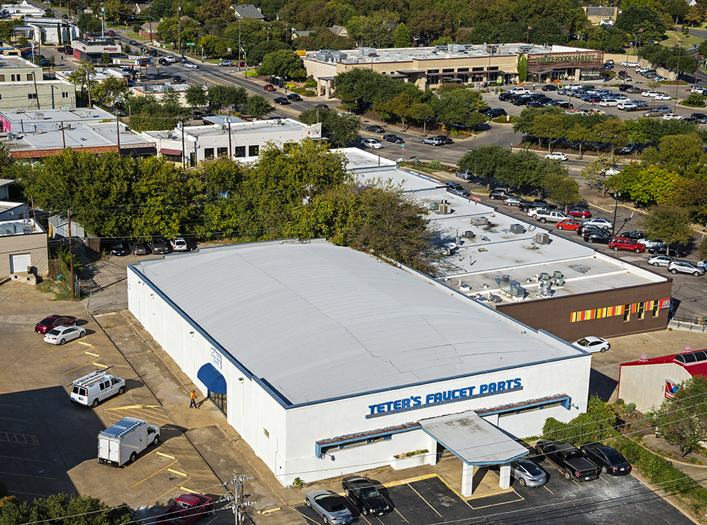 The current footprint held by Teter's Faucet Parts on Oram in Lakewood. (Photo by Danny Fulgencio)