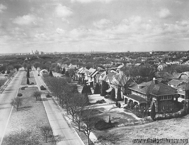 A birds-eye view of Swiss Avenue in 1950. (From the collection of the Dallas History and Archives of the Dallas Public Library)