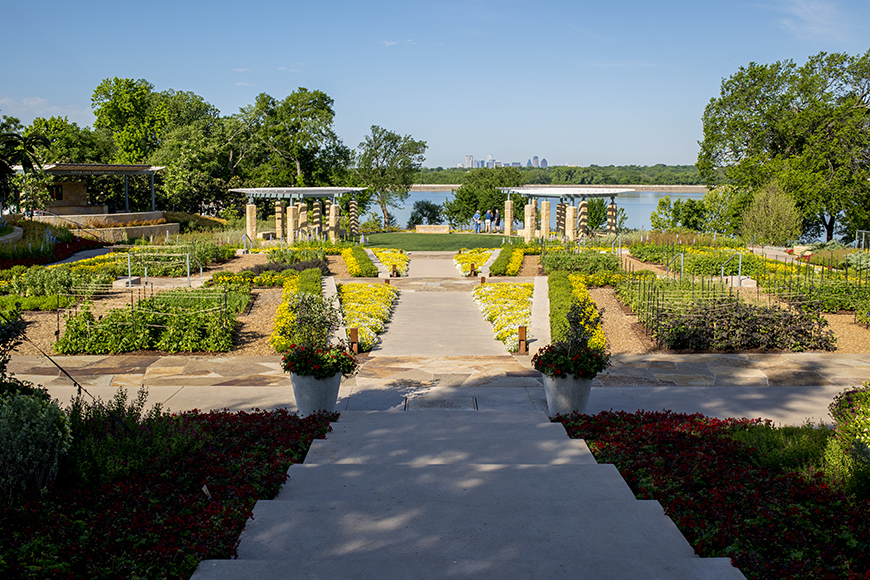 Dallas Arboretum's A Tasteful Place (Photo by Danny Fulgencio).