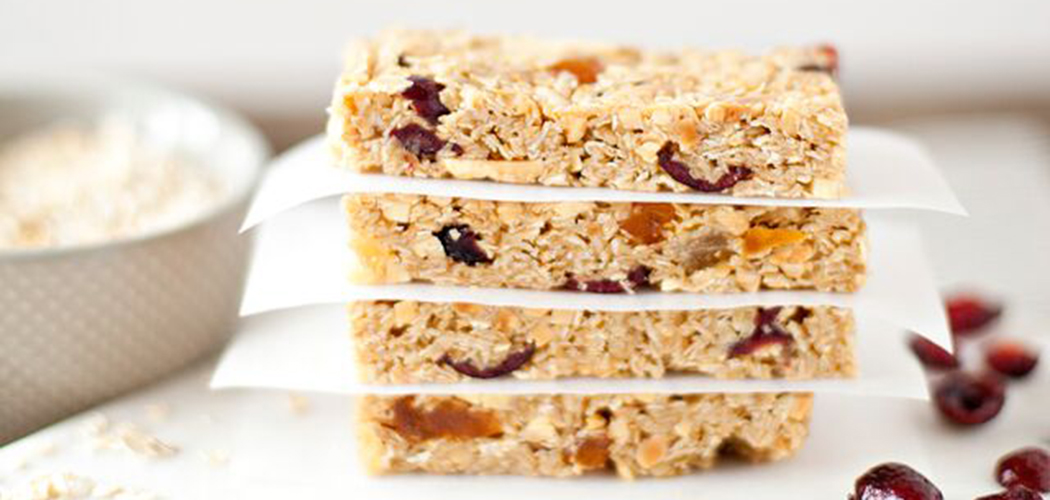 Dried fruit and nut granola bars